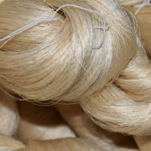Natural silk yarn
